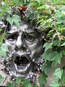 L'un des mascarons de Rodin au Jardin des Serres d'Auteuil (image Paul-Robert TAKACS)